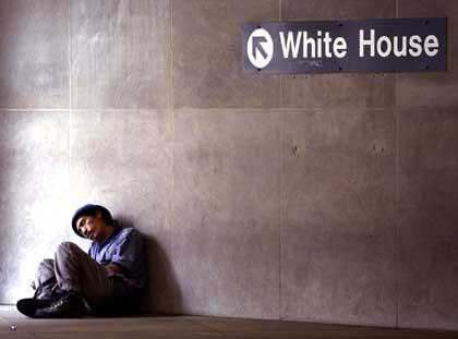 http://www.kein-plan.de/bitte-ziehen-sie-durch/pics/Bush_-_White_House_American_way_of_life.jpg